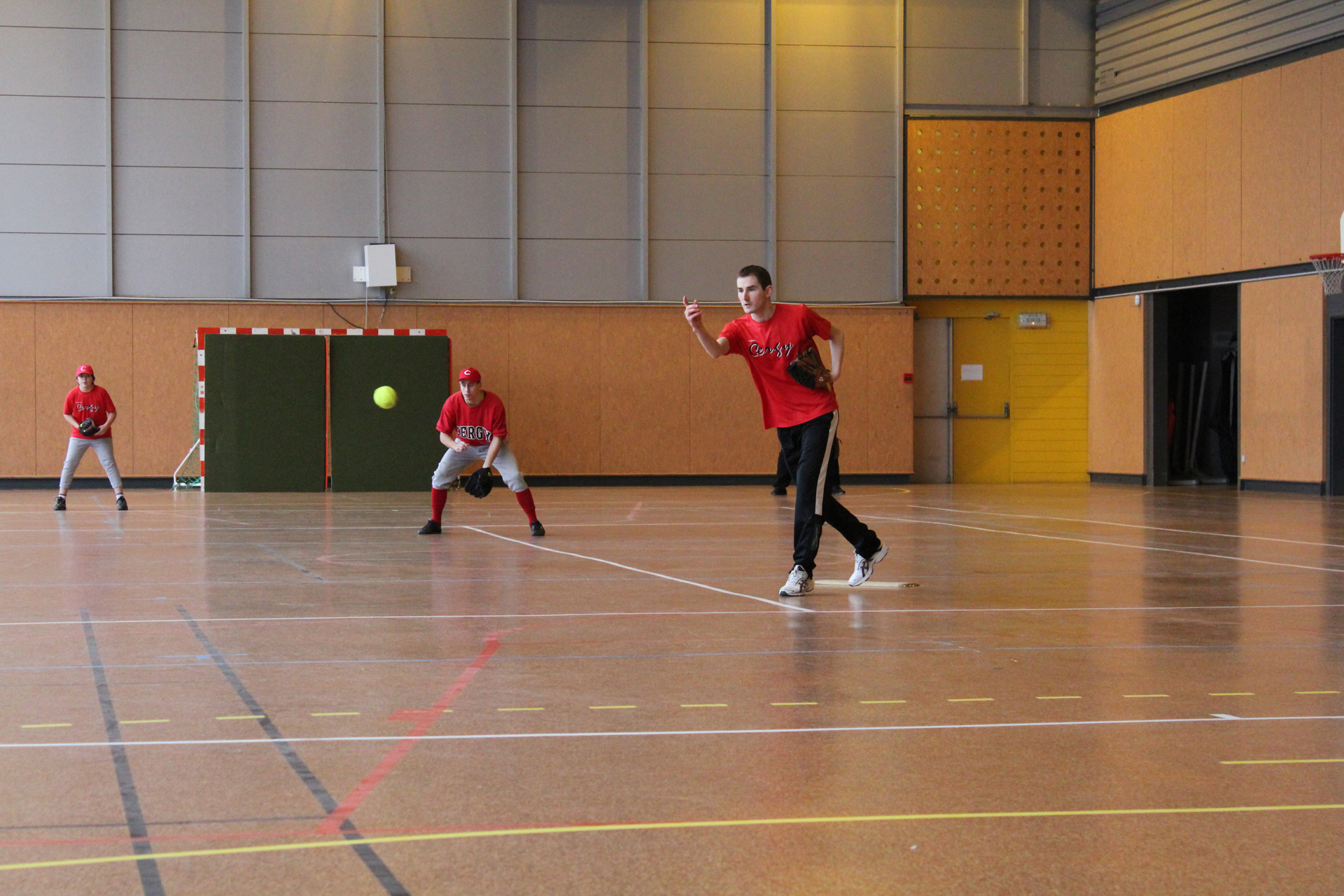 2011-02-06 Soft Mixte Indoor a Cergy (19)-resize
