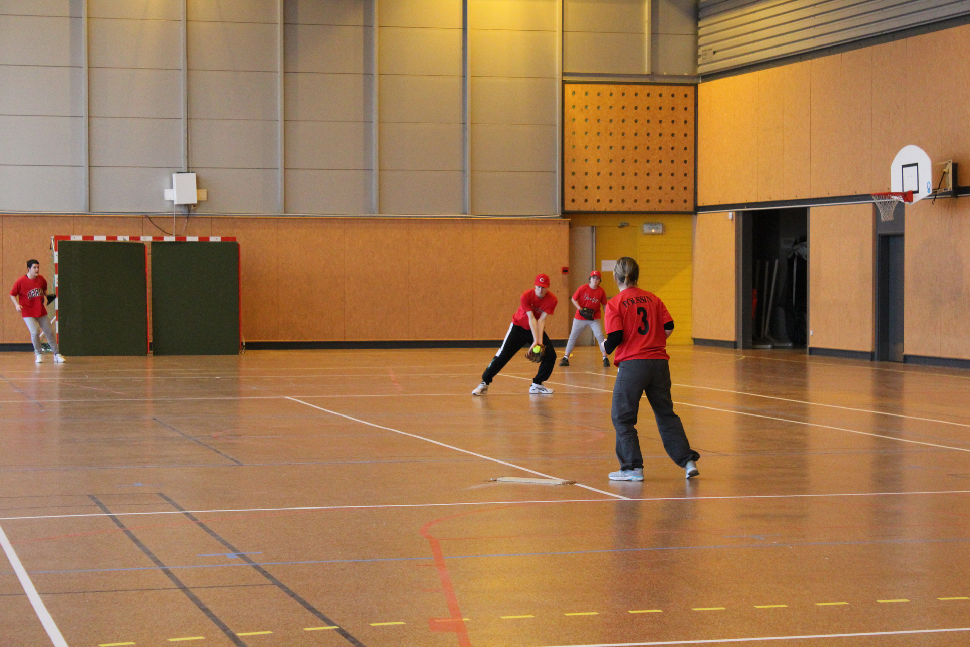 2011-02-06 Soft Mixte Indoor a Cergy (40)-resize