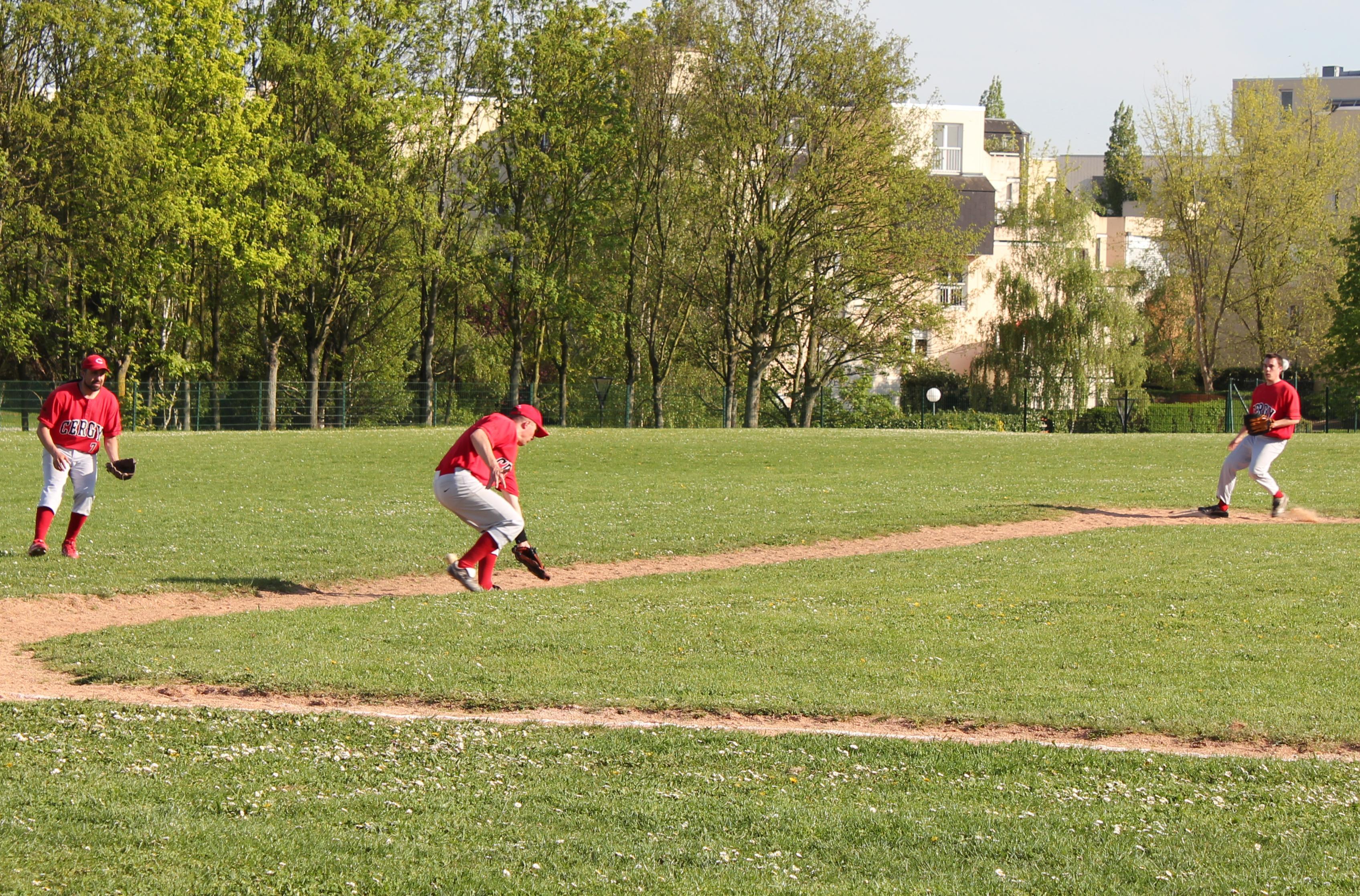 2011-04-10 - Baseball vs PUC 3 a Cergy (6)