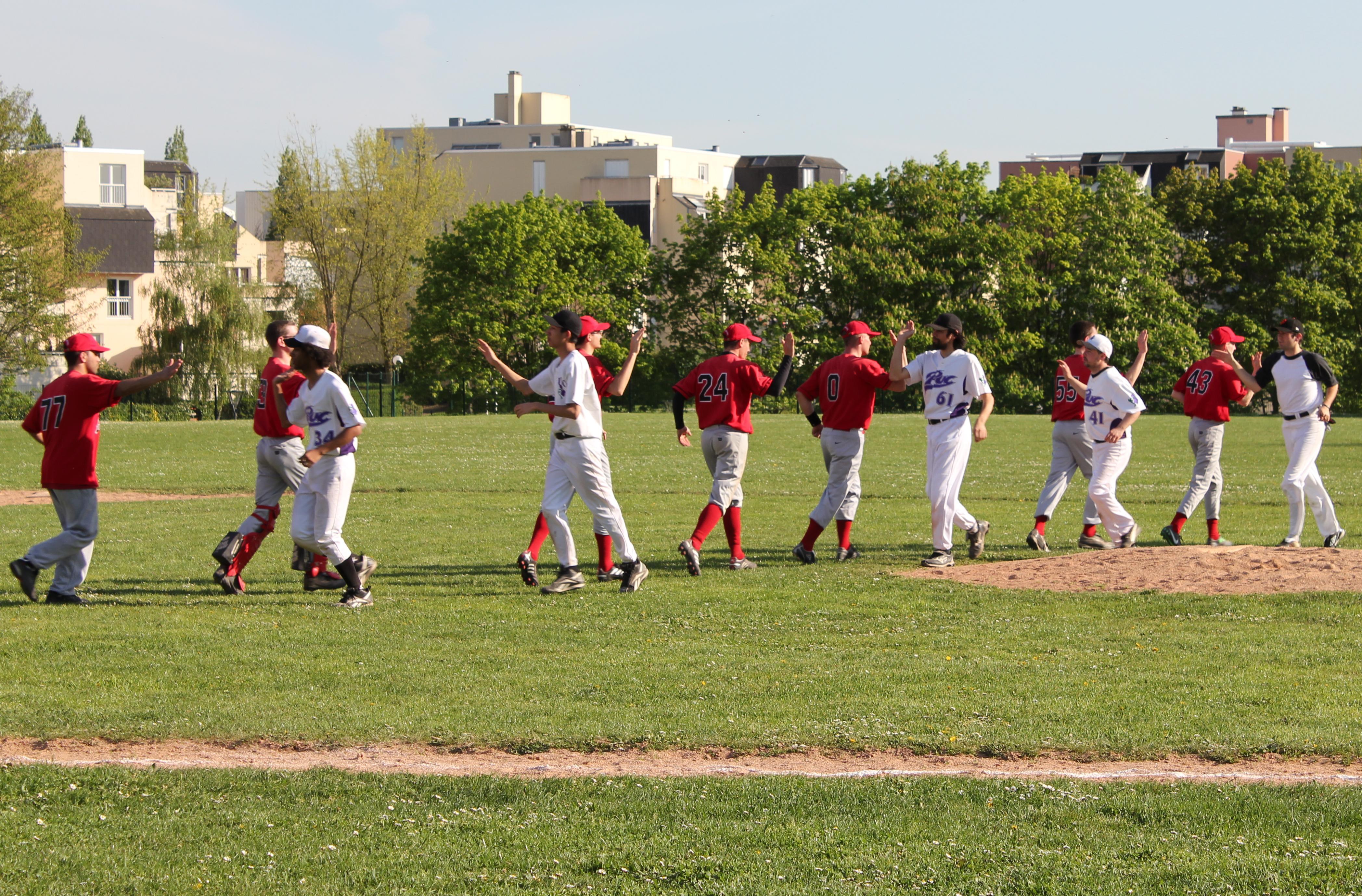 2011-04-10 - Baseball vs PUC 3 a Cergy (82)